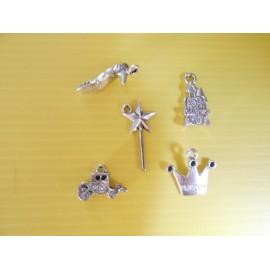Lot de 5 breloques pendentifs thème princesse