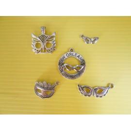 Lot de 5 breloques pendentifs thème masque