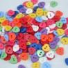 lot 50 boutons coeur multicolore mélange 12 mm 2 trous