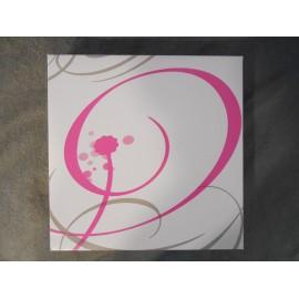 boite en carton blanc rose et gris pour tarte gateau